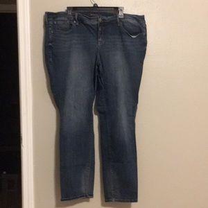 Like new Torrid Boyfriend Jeans 22R